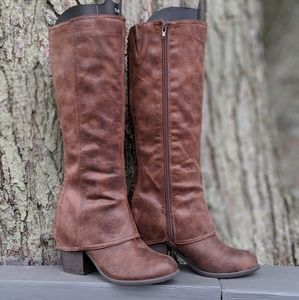 Fergie Lundry Boots